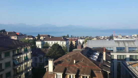 Best Western Plus Hotel Mirabeau: View To Lake Geneva