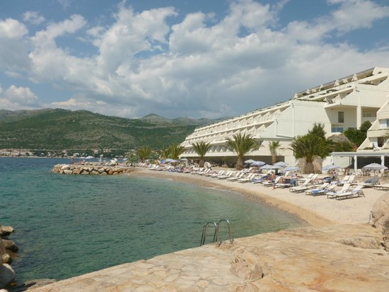 Valamar Dubrovnik President Hotel: Beach view back to our room