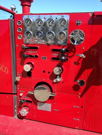 San Francisco Fire Engine Tours & Adventures : Side of the fire engine