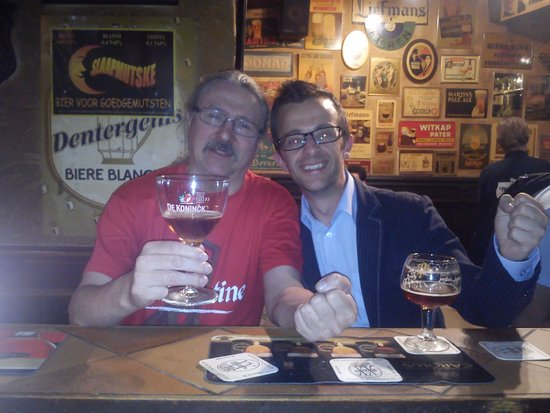 't Brugs Beertje: Making friends with locals......