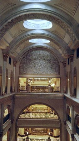 Emirates Palace: Hotel Inside