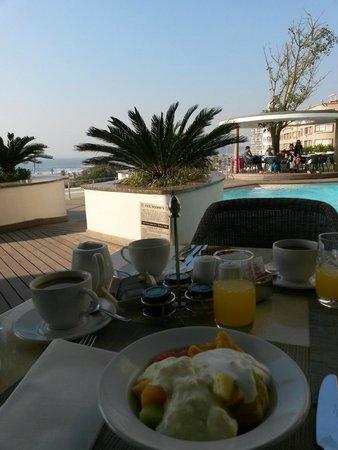 Southern Sun Elangeni & Maharani : Ocean Breeze breakfast restaurant