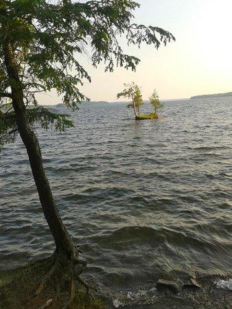 Murphys Point Provincial Park: Big Rideau Lake