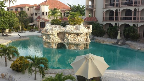 Coco Beach Resort: Water slide