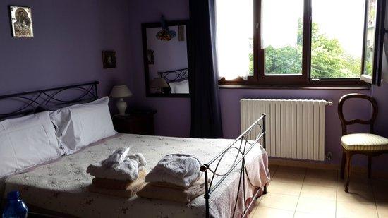 Casa Del Poggio Solivo: The purple room