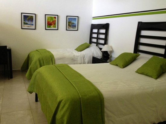 Hotel Bocas del Mar : Bungalow room no.9 Queen bed with a single bed