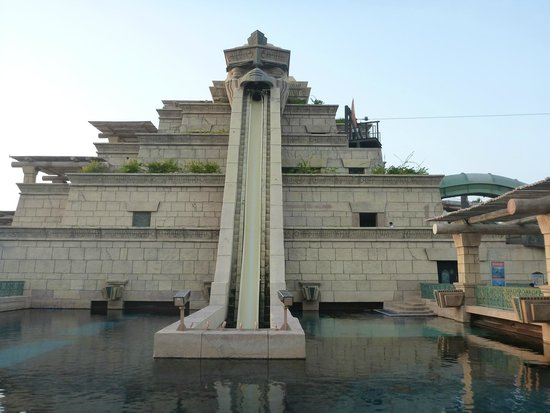 Aquaventure Waterpark : The second most scary slide