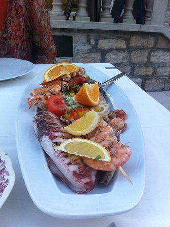 Taverna  riva: Grilled Squid