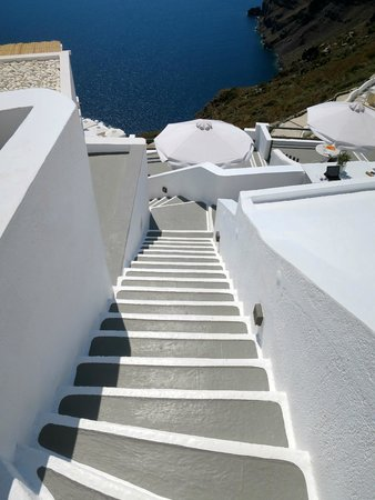 Sun Rocks Hotel: lots of steps, so get ready!