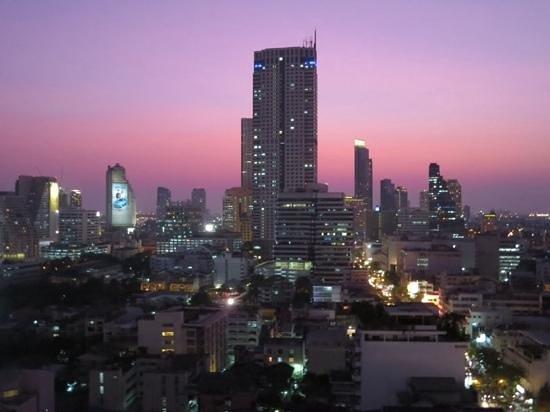 Furama Silom: abends