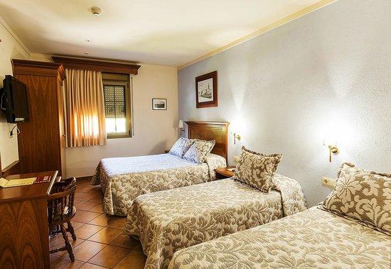 Hotel La Quadra : Habitacion cuadruple