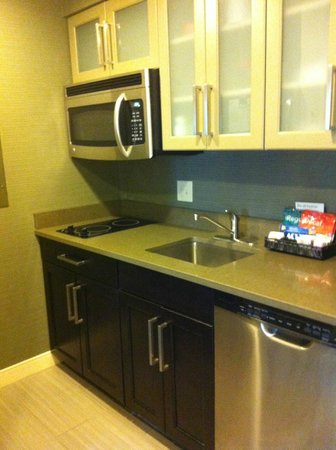 Homewood Suites Nashville Vanderbilt: Kitchenette