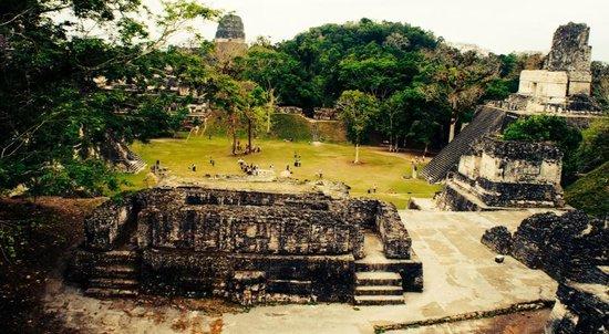 Cocktail Tours Guatemala: Templo