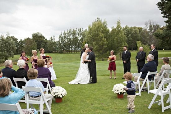 Golden Sands Golf Course: Perfect Michigan location for an outdoor wedding