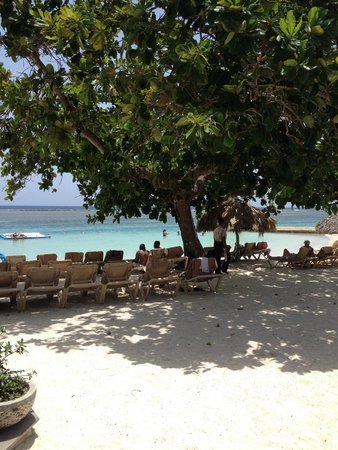Sandals Royal Caribbean Resort and Private Island: main beach