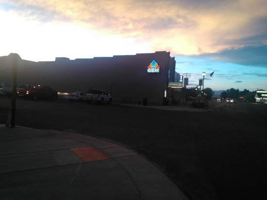 Cowboy's Smoke House : Sunset over the Gem Theater taken from in front of Cowboy's.