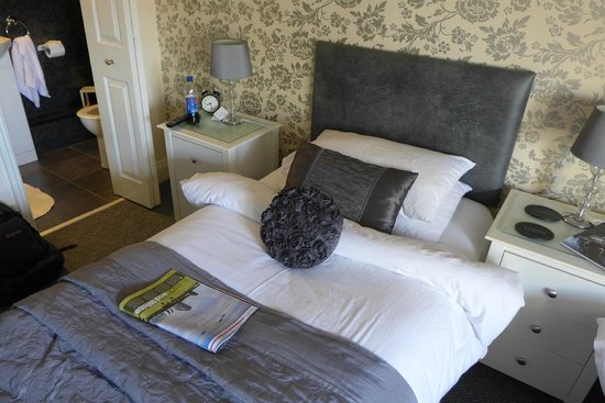 Elmswood Guest House: Bed