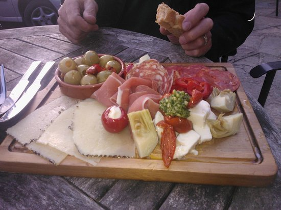 The Rising Sun: A lovely starter of antipasto