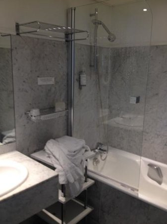 Hotel Elysa Luxembourg : banheiro