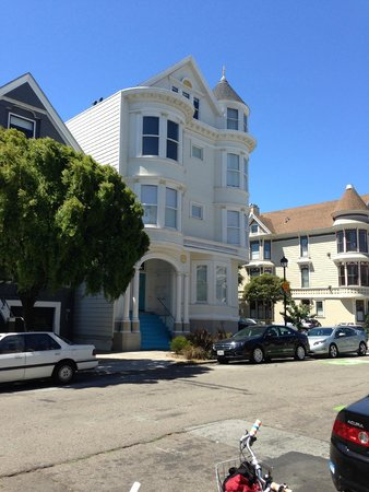 Streets of San Francisco Bike Tours: One of the beautiful houses we passed.