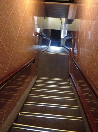 Hotel Di-Ann: Steep stairs