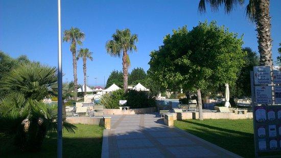 La Giurlita Hotel: zona piscina