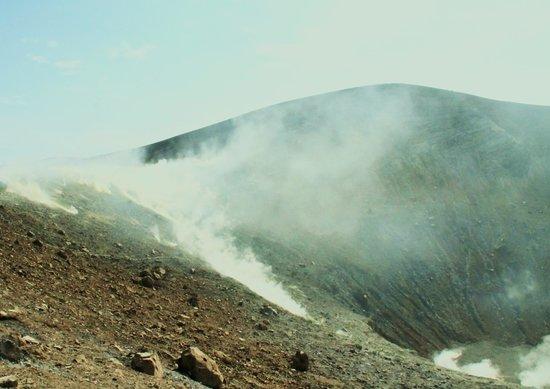 Il Vulcano a Piedi - Stromboli Excursions Organizer: l'approche du cratère
