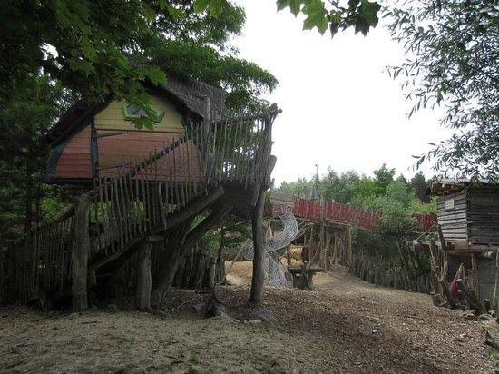 Baumhaushotel Kulturinsel Einsiedel: Kulturinsel Einsiedel Gelände