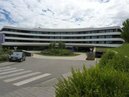 Hotel Lone : Entrance