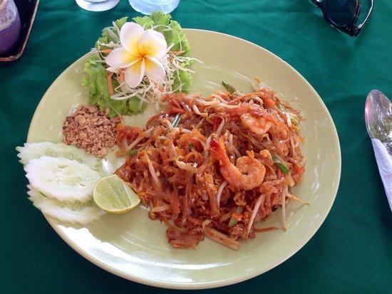 Chalala Samui Resort : Piatto servito al ristorante del resort: il famoso Pad Thai