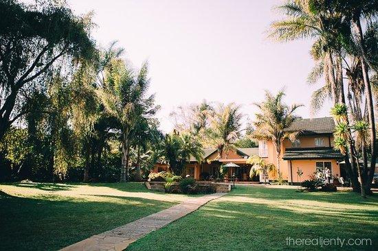 Casa Kadiki Bed & Breakfast: View from the garden