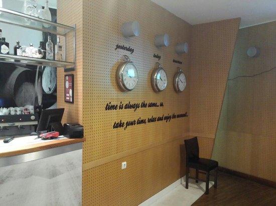 Caravela wine house: Time...