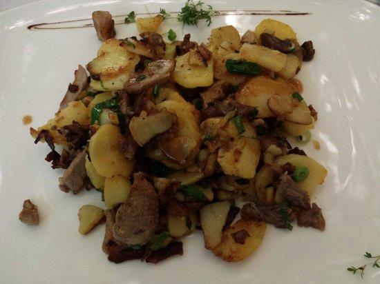 Forsterbräu Meran: Arrosticciata patate e maiale