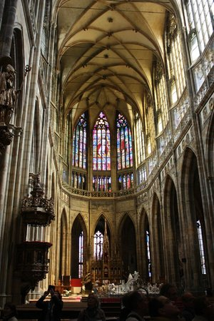 Castle District : St. Vitas Cathedral interior