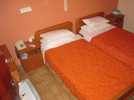 Alkyon Hotel: Small Room