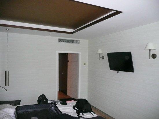 LOFT Hotel Bratislava: Room