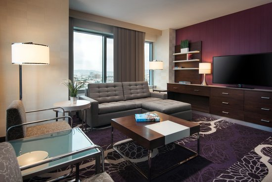 Residence Inn Los Angeles L.A. LIVE : Suite Living Room