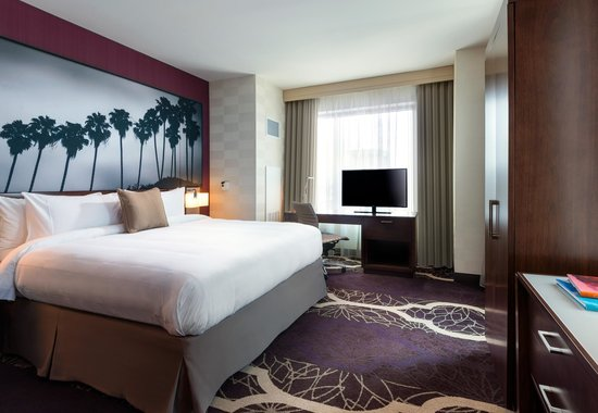Residence Inn Los Angeles L.A. LIVE : Suite Bedroom