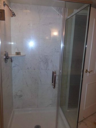 Beau Rivage Resort & Casino Biloxi: shower