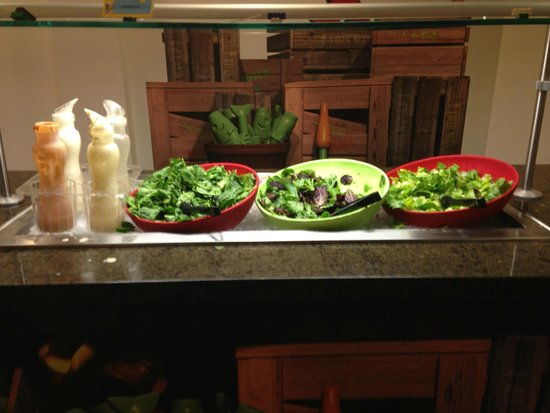 LEGOLAND California Hotel : THREE different lettuces to choose!