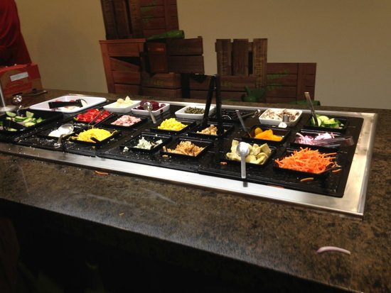 LEGOLAND California Hotel : MANY choices to add to your salad