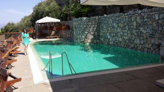 Hotel Mega Mare: Piscina