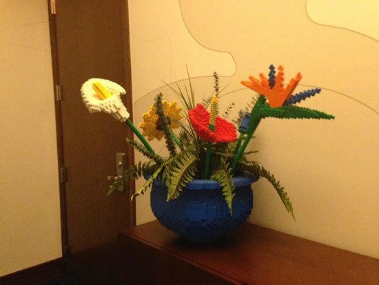 LEGOLAND California Hotel: Lego flower displays in hotel