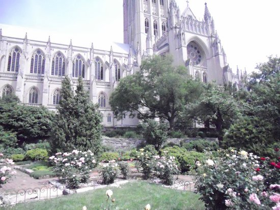 Washington National Cathedral: Outside View