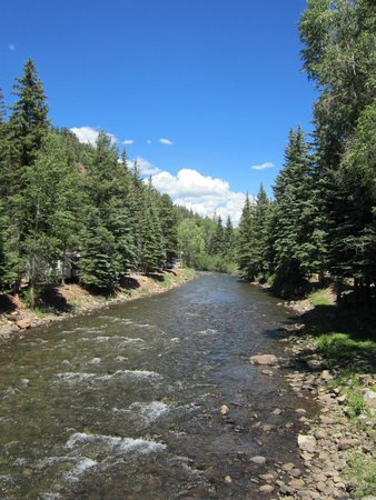 Priest Gulch Campground , RV Park, Cabins & Lodge: photo from the bridge