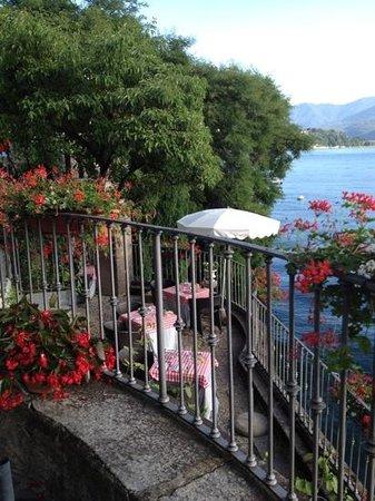 Hotel Camin Colmegna: Terrasse