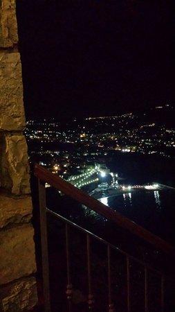 Hotel Mega Mare: Scorcio notturno