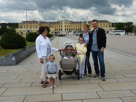 Royal Palace Hotel: Am Schloß Schönbrunn