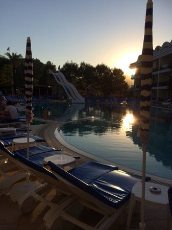 Candan Club Hotel: Sunset