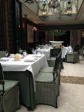 The Chesterfield Mayfair: The afternoon tea room